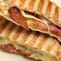Bacon Cheddar Grilled Cheese