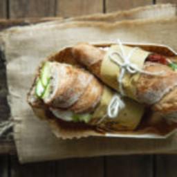 Baguette integrali con carpaccio di zucchine novelle al basilico