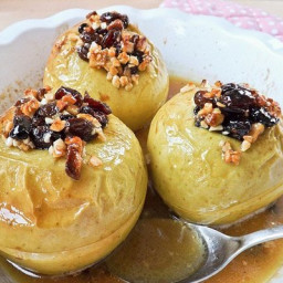 Baked apples with raisins, dried apricots and nuts