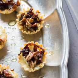Baked Brie and Caramelized Onion Cups