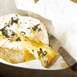 Baked brie with lemon thyme