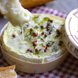 Baked Camembert with Balsamic Vinegar & Caramelised Onions