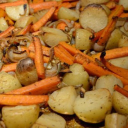 Balsamic Roasted Baby Potatoes and Carrots