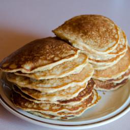 banana-oatmeal-pancakes-3.jpg