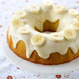 Banana Pudding Cake With Cream Cheese Glaze