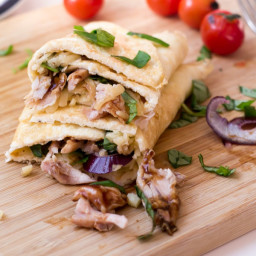 Barbecue Chicken Pizza Eggwrap!