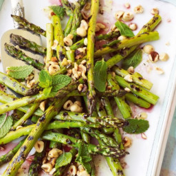 Barbecued asparagus with hazelnuts and mint