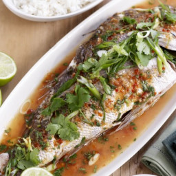 Barbecued whole snapper with lime and chilli