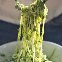 basil-and-parsley-pesto-2531261.jpg