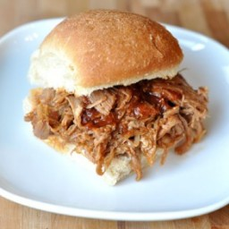 BBQ Pulled Pork Sandwiches (Slow Cooker)