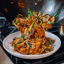 Beef Chow Fun: The Traditional Cantonese Way!