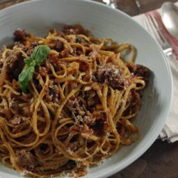 Beef ragu with linguine