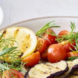 Berloumibowl met kikkererwten, aubergine en plattekaasdressing