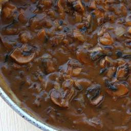 BEST Brown Mushroom Gravy (from scratch)