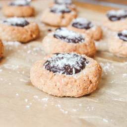 Biscuits coco, beurre de cacahuète et chocolat.
