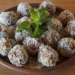 Blissful Nut Balls