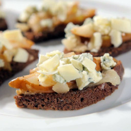 Blue Cheese Pear Bites with White Chocolate