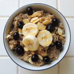 Blueberry Banana Almond Breakfast Quinoa