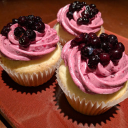 blueberry-lemon-cupcake-5a7407fb074b9a0cc8c533cf.jpg