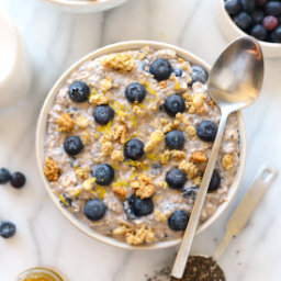 blueberry-muffin-overnight-oats-1597927.png
