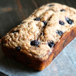 Blueberry Banana Bread with Cinnamon Crunch Topping