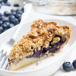Blueberry Crumble Cream Pie