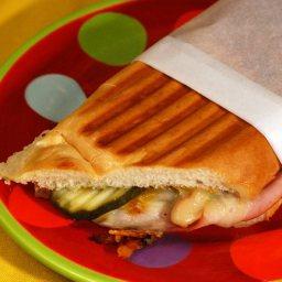 blues-hog-bbqueban-sandwich.jpg