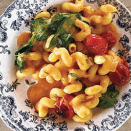 blush-mac-and-cheese-with-tomatoes-2261705.jpg