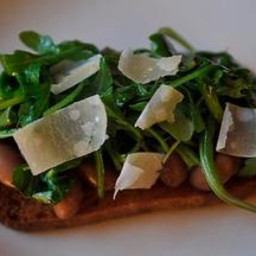 Borlotti Beans on Toast with Greens