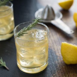 Bourbon lemon drink