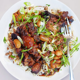 Braised Oxtails With Coconut Rice