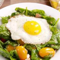 breakfast-bacon-and-egg-salad-2559354.jpg
