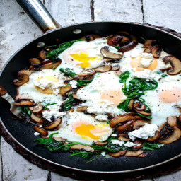 Breakfast Skillet with Spinach, Mushrooms and Goat Cheese