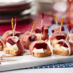 Brie, Cranberry and Prosciutto Bites