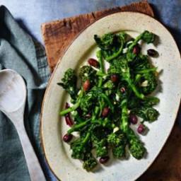 Broccoli Rabe with Olives and Garlic (Broccoli di Rape Stufati)
