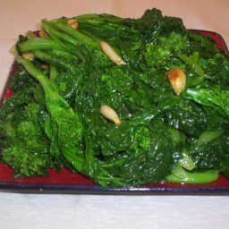 Broccoli Rabe with Roasted Garlic