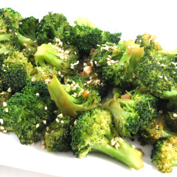 Broccoli w/ Crispy Garlic
