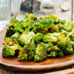 Broccoli with Sauteed Garlic and Red Pepper Flakes