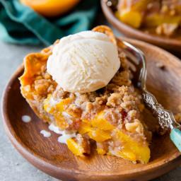 Brown Sugar Peach Crumble Pie