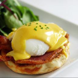 brunch-eggs-benedict-c00469.jpg