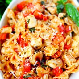 bruschetta-chicken-pasta-1717633.jpg