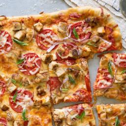 bruschetta-chicken-sheet-pan-pizza-2174766.jpg