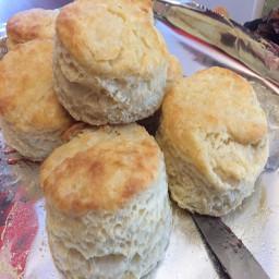 buttermilk-biscuits-f2d17a0ea4ce6200f52f50e8.jpg