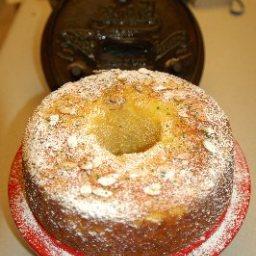 Cake with Rum Glaze