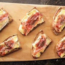Camembert & Prosciutto Tartines