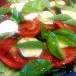 Caprese Style Green Salad