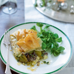 Neilson  Caramelised leek, onion and Camembert parcels