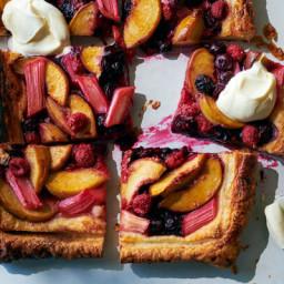 caramelized-summer-fruit-tart-2777033.jpg