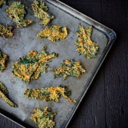 Cashew and Roasted Red Pepper Kale Chips