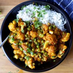 Cauliflower and Tomato Masala with Peas (Gobi Matar)